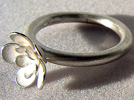 Single Flower Ring - Silver
