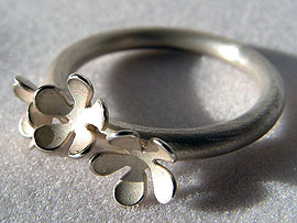 Three Flower Ring - Silver