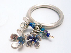 Bouquet' Ring - Silver with glass beads (pink or Blue)